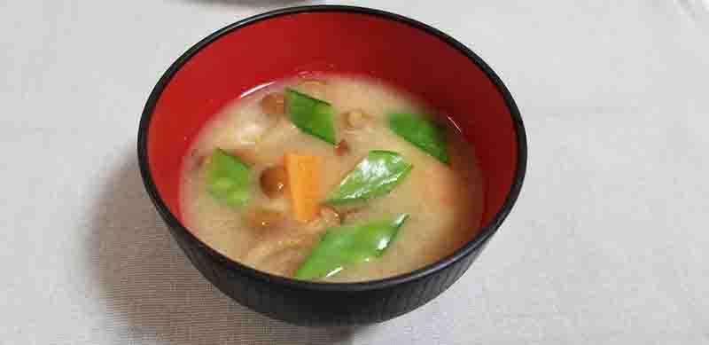 保護中: 煮干しの味噌汁(春の食材)